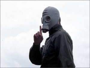 (Paddy Considine) wreaks his revenge in Dead Man's Shoes