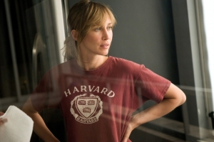 Psychiatrist Madolyn Madden (Vera Farmiga), torn between two men in The Departed