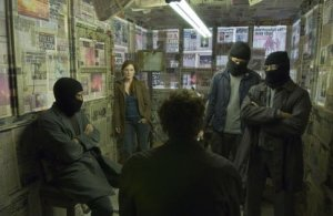 Julian (Julianne Moore) spells it out to estranged husband Theo (Clive Owen) in Children Of Men