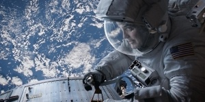 Grizzled veteran astronaut Matt Kowalski (George Clooney) takes command in Gravity