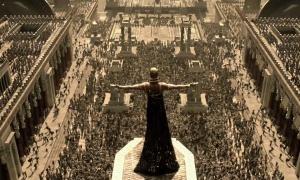 War!! 'God-King' Xerxes (Rodrigo Santoro) rallies the Persians in 300: Rise Of An Empire