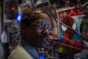 Nerdy Oscorp employee Max Dillon (Jamie Foxx) shortly before becoming Electro in The Amazing Spider-Man 2