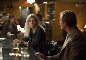 The shady Bree (Kate Mara) gets chatting to Max Waters (Paul Bettany) in Transcendence