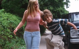 Mason Jnr (Ellar Coltrane) aged six with his mom Olivia (Patricia Arquette) in Boyhood