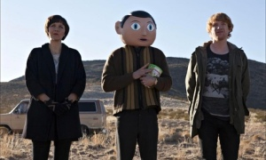 The ying and yang of Frank (Michael Fassbender) - Maggie Gyllenhaal's uncompromising Clara and Domhnall Gleeson's Jon, who just wants to be loved