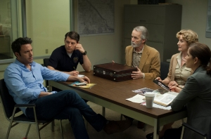 Detective Rhonda Boney (Kim Dickens) gets to the bottom of Amy's disappearance with Nick (Ben Affleck), Amy's mother (Lisa Banes) and father (David Clennon) and fellow Detective Jim Gilpin (Patrick Fugit) in Gone Girl