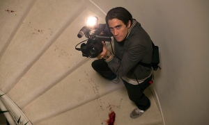 Lou Bloom (Jake Gyllenhaal) goes for his major scoop in Nightcrawler