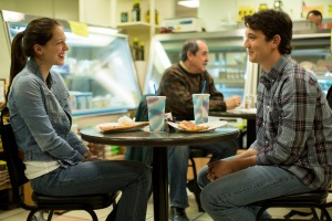 Andrew (Miles Teller) gets friendly with Nicole (Melissa Benoist) in Whiplash