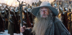 Gandalf (Ian McKellen) looks on worried in The Hobbit: The Battle Of The Five Armies