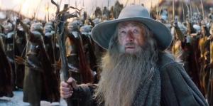 Gandalf (Ian McKellen) looks on worried in The Hobbit: The Battle Of The Five Armies