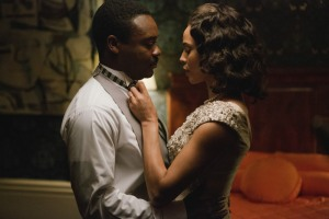 Martin Luther King Jr (David Oyelowo) prepares to accept the Nobel Peace Prize with wife Coretta (Carmen Ejogo) in Selma