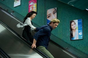 Hathaway (Chris Hemsworth) goes on the run with Lien (Tang Wei) in Blackhat