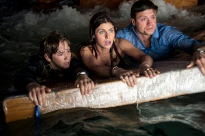Blake (Alexandra Daddario) hangs out with brothers Ben (Hugo Johnstone-Burt) and Ollie (Art Parkinson) in San Andreas