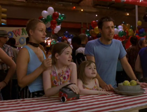 The Sullivan clan - mum Sarah (Samantha Morton), dad Johnny (Paddy Considine) and kids Christy and Ariel (Sarah and Emma Bolger) in In America
