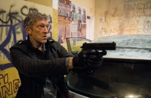 The asset (Vincent Cassel) goes after our hero in Jason Bourne