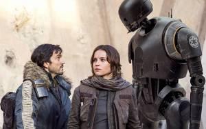 Jyn Erso (Felicity Jones), Cassian Andor (Diego Luna) and his droid K-2SO (Alan Tudyk) in Rogue One
